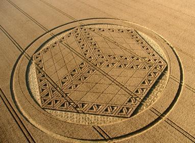 Name:  Cube Crop Circle2.jpg Views: 60 Size:  31.0 KB